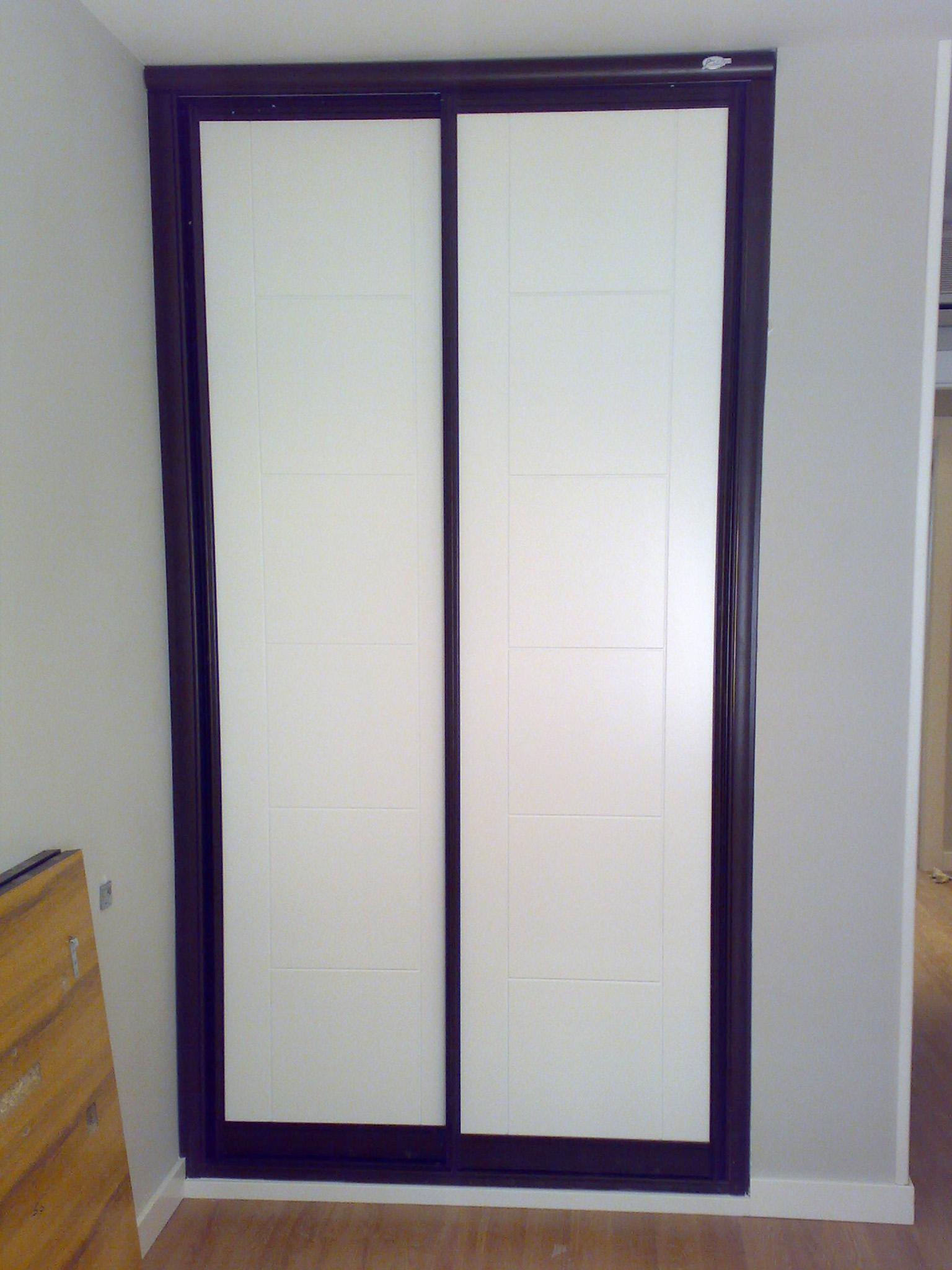 Trabajos puertas de interior lisa y vidriera lacadas en - Puertas en blanco ...