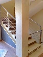 Inicio escalera con dos laterales