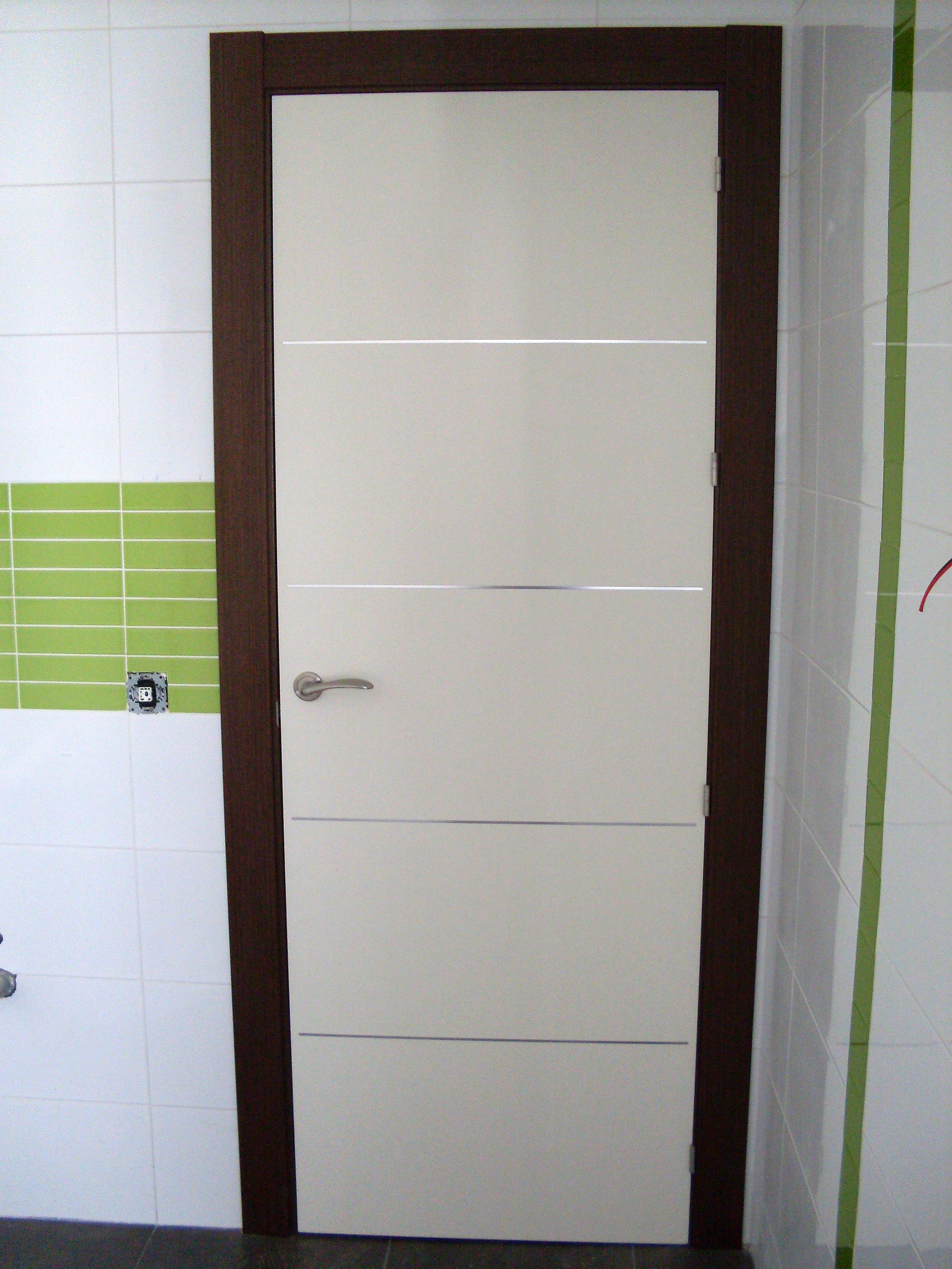 Puertas interior blancas eco mnaco with puertas interior for Oferta puertas blancas interior